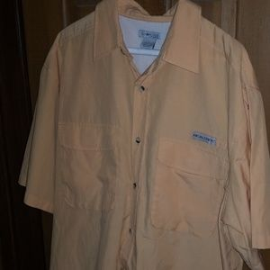 Realtree button up.....LARGE...Mango color